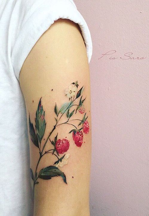 2017 trend Body - Tattoo's - Pis Saro berry tattoo