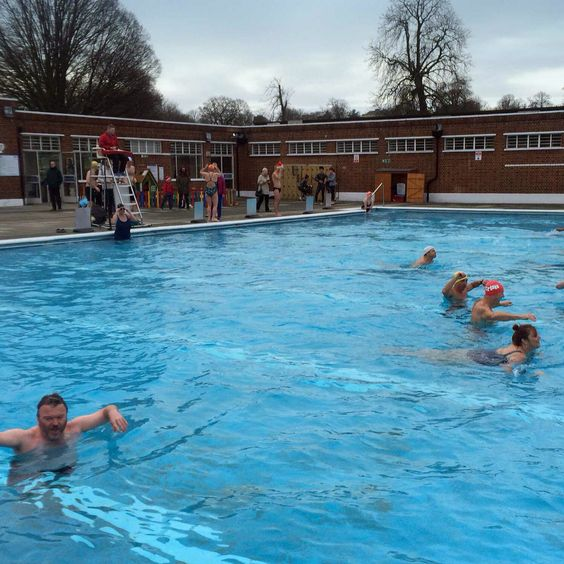 Brockwell open for 1 hour Christmas Day 2015.