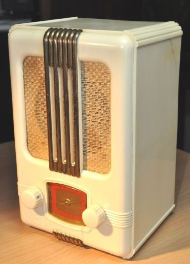 Essay on radio's from the 1950's?
