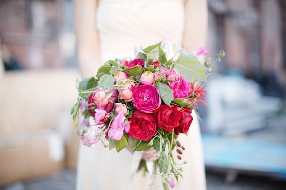 gorgeous red + pink bouquet!