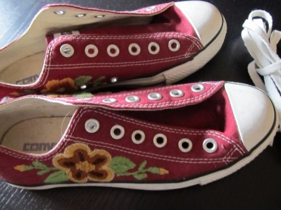 Hand embroidered converse Creativity Inspiration Pinterest