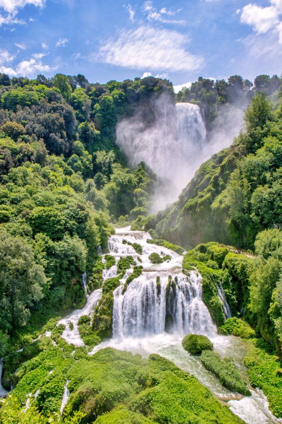 The Marmore Falls: a dip in the Umbrian nature