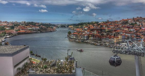 #Porto #Gaia #douro #teleférico #sky #clouds #buildings #portonoinsta #super_portugal #portugalalive #portugalnumdia #portugal_em_fotos #p3top #vsco #vscocam #gerador #faded_portugal #igers #igers_porto #shooters_pt #oh_mag by marianamoreira_9