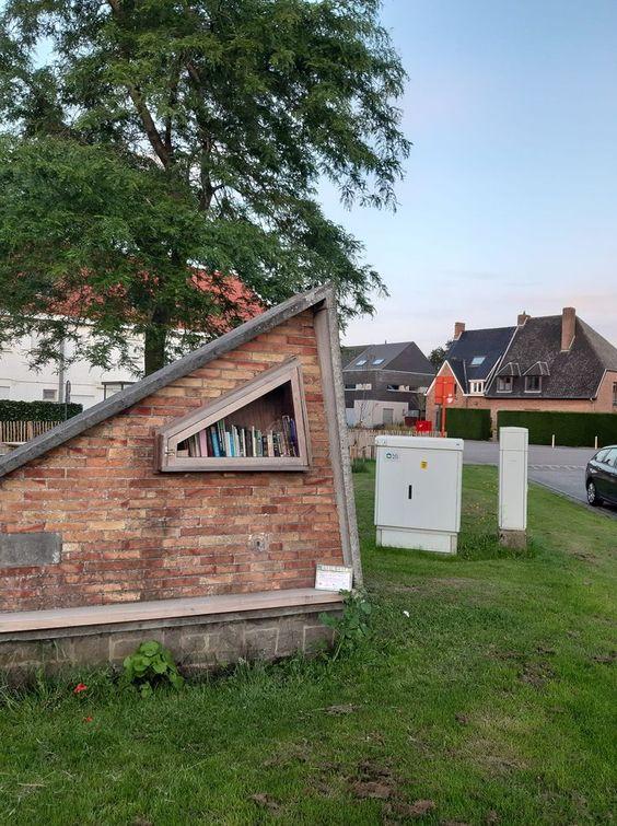 Boekenruilkast Sint-Michiels