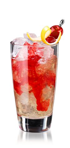 Dirty Shirley (2 oz. Viniq Ruby  2 oz. Spiced Rum  2 oz. lemon lime soda  Fresh berries)