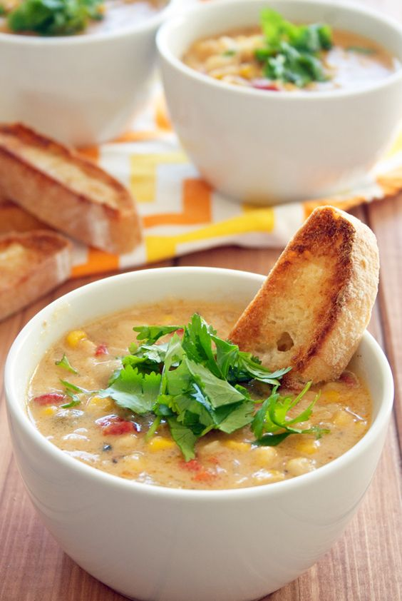roasted red pepper and corn chowder | ahappyfooddance.com