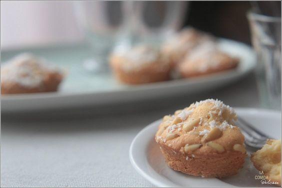 La Comida Deliciosa | Zoveel Inspiratie om Ietes Lekkers op Tafel te Zetten * Cakejes met Pijnboompitten * Little cakes with Pine nuts * Bizcochos pequeños con Piñones