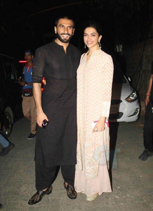 Ranveer Singh And Deepika Padukone At Bajirao Mastani Screening Ranveer Looked Great In A Deepika Padukone Style Dressy Outfits Celebrity Style Red Carpet
