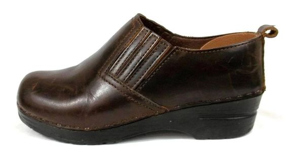 Sanita Clogs Brown Leather Comfort Nurse Uniform Shoes Womens 7.5 8 EU 38 #Sanita #NursingUniform