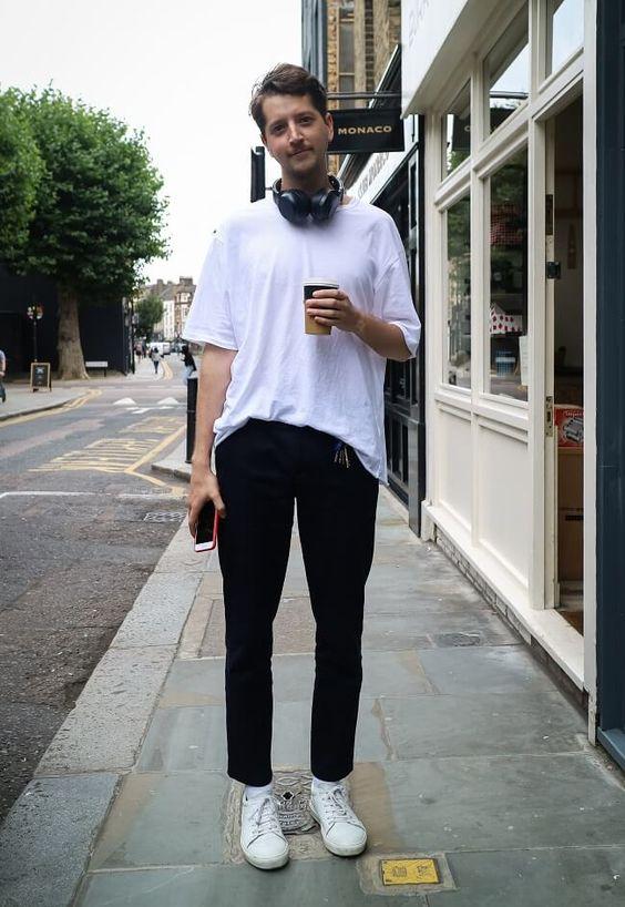 海外メンズソリッドTシャツコーデJason in London