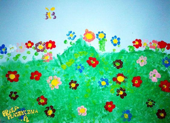 Stemplowana łąka - błękitny karton  - biała kartka - do zgniecenia  - farby  - patyczki kosmetyczne