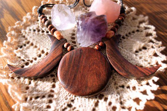 Halskette Triple Moon aus Holz von EbonyBlackfeather auf Etsy