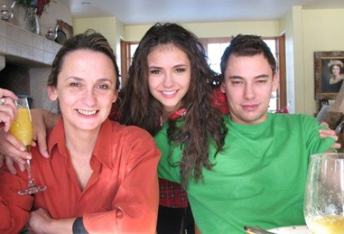 Nina Dobrev Brother And Mother Nina Dobrev Celebrity Families Nina