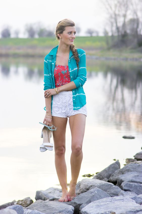 Casual summer attire - love those crochet shorts!
