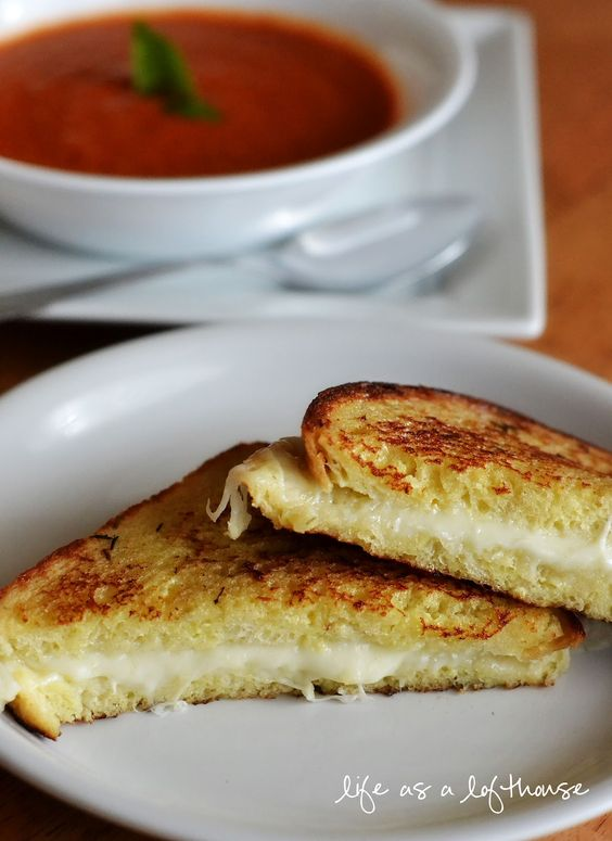 Life as a Lofthouse (Food Blog): Tomato Basil Soup and Grilled Mozzarella Sandwiches
