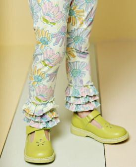 I love these Abott leggings I hope I can find them in Kelcee's size!!