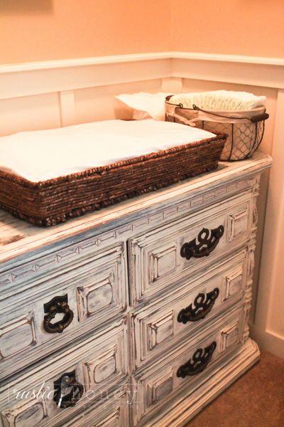DIY baby basket changing pad #nosew #vintage #antique #nursery