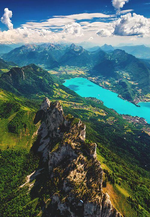 Rando en montagne - traversée des arrêtes  http://www.altituderando.com/Annecy-Les-dents-de-Lanfon    http://www.camptocamp.org/routes/55080/fr/dents-de-lanfon-traversee-classique-des-aretes