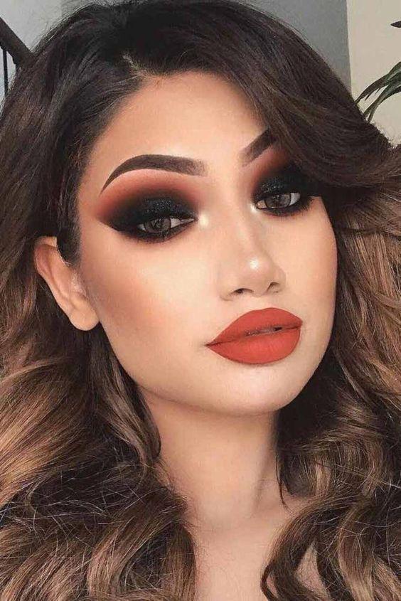 Pin De Francis En Maquillaje En 2020 Maquillaje De Noche Sencillo Maquillaje De Ojos Ahumados Maquillaje De Noche