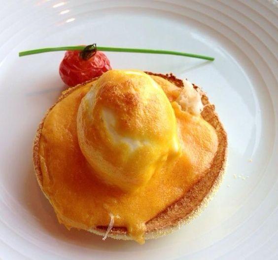 マンダリンオリエンタルホテル東京の朝食の定番。 最高でした。 - 15件のもぐもぐ - エッグベネディクト by zigokumaru