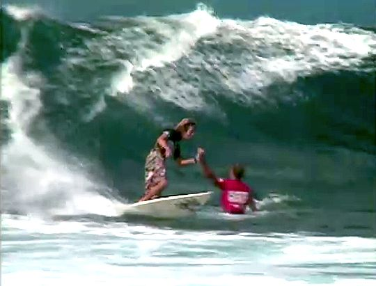 High Five - Rob Machado x Kelly Slater - Semifinal Pipeline 1995