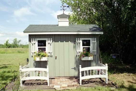 Garden Shed w bunk-bed fence by scavage garden