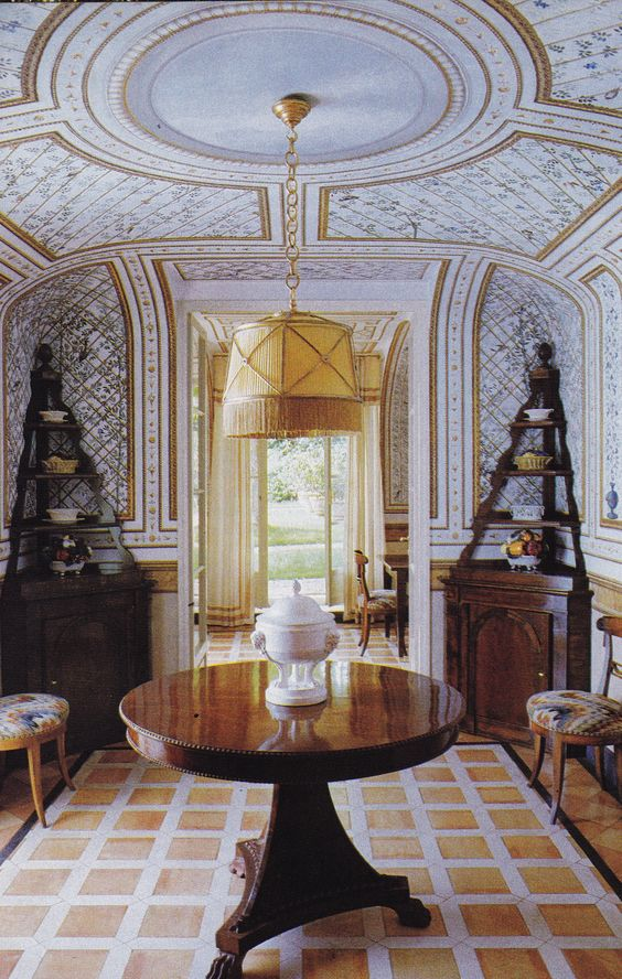La Vagnola, Giancarlo Giammetti's villa in Tuscany. Interiors by Renzo  Mongiardino. Photo by