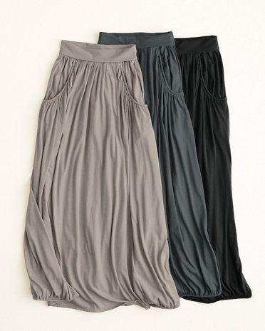I sooooo need a neutral gray/blue maxi jersey skirt!!! The pockets and pleats make this one too cute!
