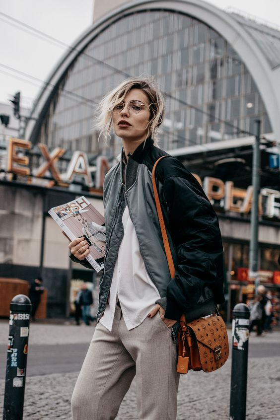 Berlin Alexanderplatz | street style: sporty, casual, chic More