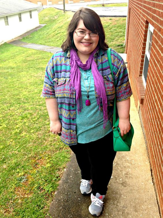 Unique Geek: Plus Size OOTD: Sad, But Back #plussize #plussizeblogger #plussizeoutfit #plussizeootd #plussizefashion #aztec #winteroutfit #newbalance #purple #scarf: