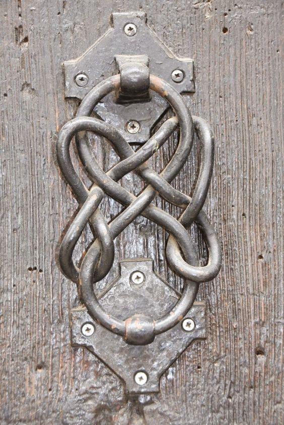ボード ドア ノッカー のピン
