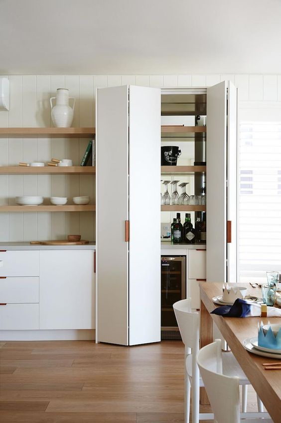 kitchen-storage-cupboard-wine   photo armelle habib: