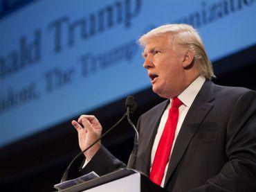 Trump es fustigado por arremeter vs padres de soldado