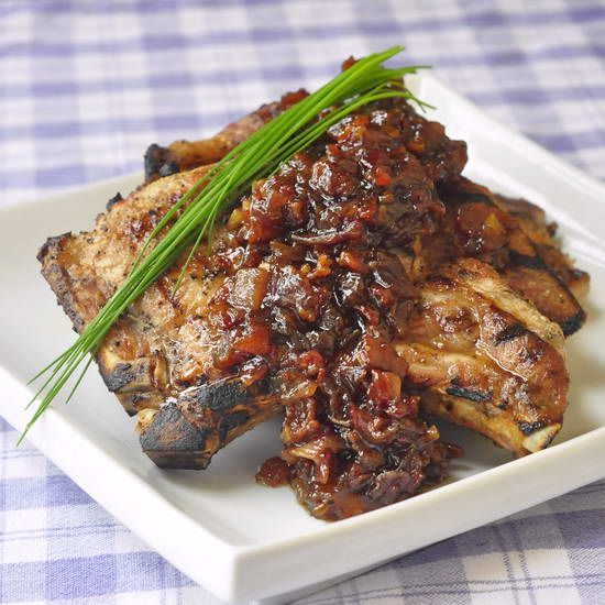 Beer and Bacon Jam - this recipe will get your weekend barbeque guests talking about this unusual but incredibly flavorful and completely delicious addition to pork chops, steaks, burgers or chicken.