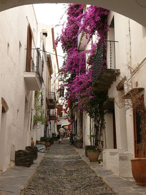 Streets of Cadaqués, Girona, Spain (by calafellvalo).