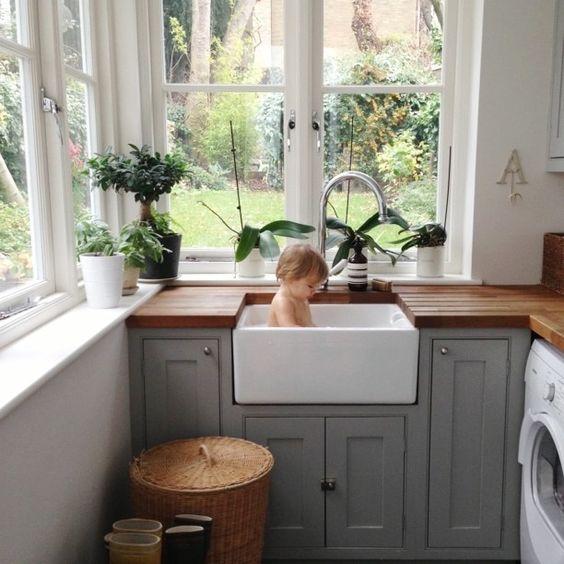 Saturday sink bath