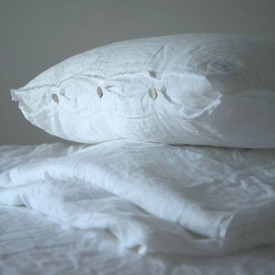 Kissen Luuna - Weiß   Barefoot Living by Til Schweiger #interior #deko #leinen