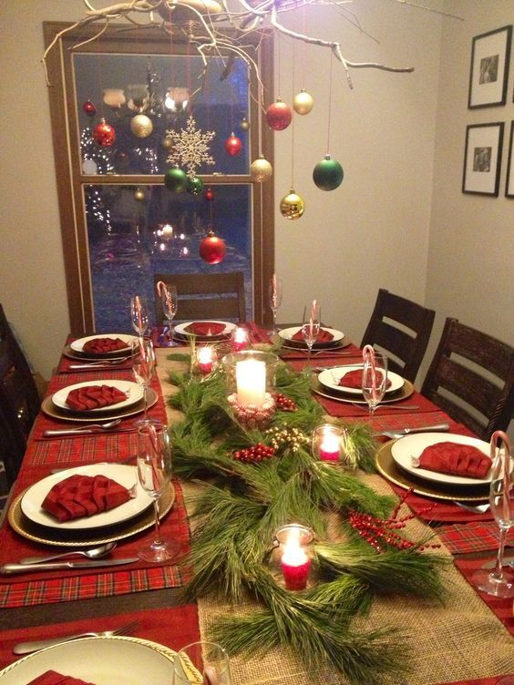 60 Best Christmas Table Decor Ideas For Christmas 2019 Where Traditions Meets Grandeur Christmas Decorations Dinner Table Christmas Dinner Table Settings Christmas Dinner Table