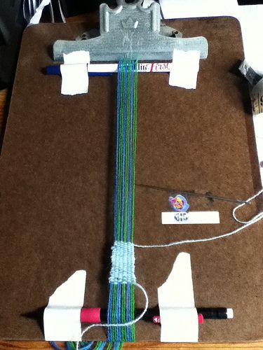 Weaving practice (clipboard loom and picture fram loom!) - FIBER ARTS