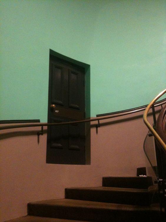 Resultado de imagem para door who leaves to nowhere