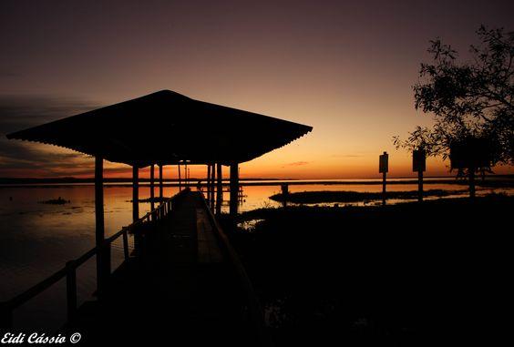 Por do sol, visto do condomínio Bela Vista, no rio Tietê em Novo Horizonte - (SP)