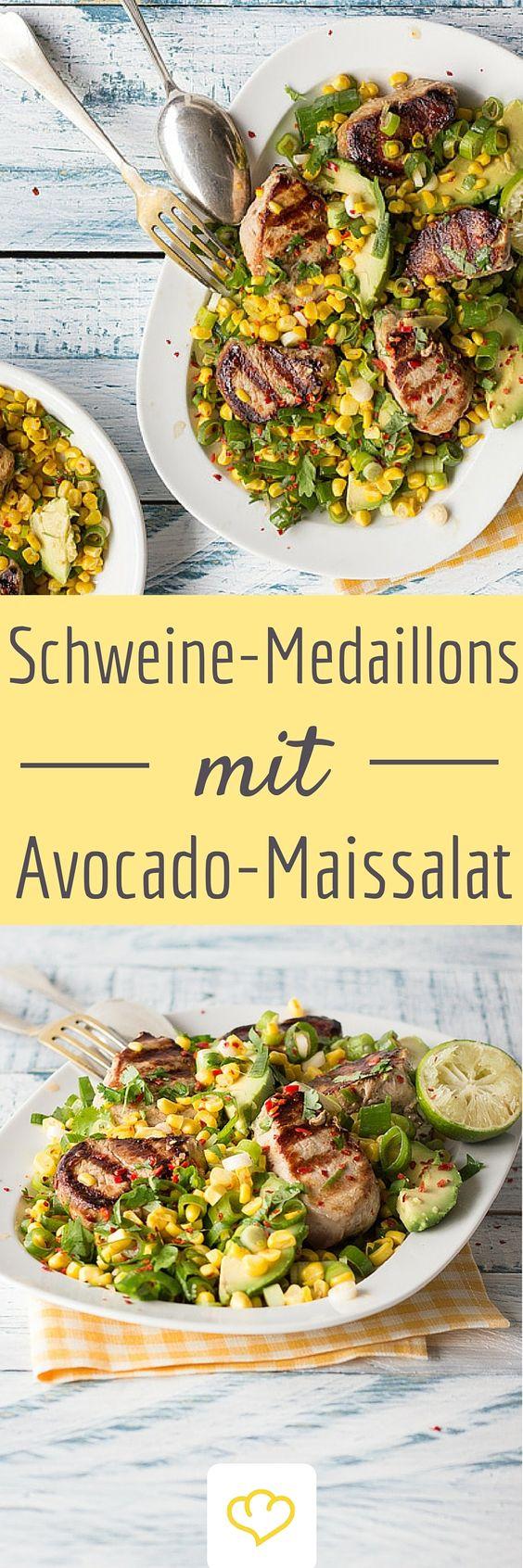 Schweinemedaillons mit Avocado-Mais-Salat - Dieses Gericht ist Sommer pur!  Dazu setzen Koriander und Limette erfrischende Akzente.