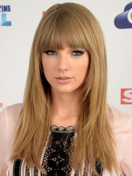 Taylor Swift - 2013 Steil haar en een pony @ de Capital Summertime Ball  ELLE