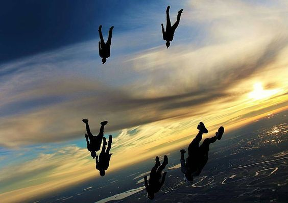 """""""Pick of the day: Sunset edition by @jump_junkie  #BenNelsonPhotography #skydiving #turbolenza #sunset #beautiful #flying #gopro #instagram #fun #friends…"""""""