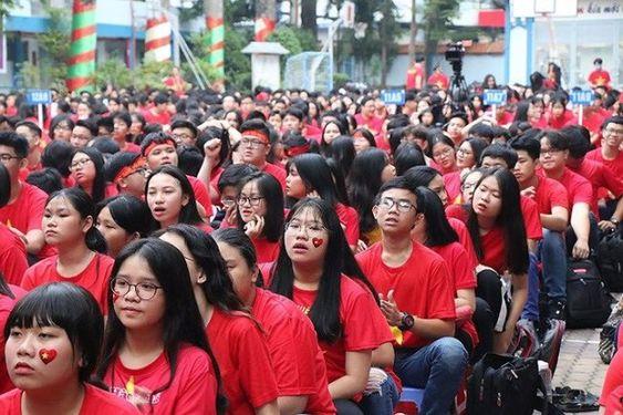Áo cờ Việt Nam trường THPT Nguyễn Du - Hình 4