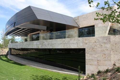 Luxury Modern House in Pozuelo de Alarcón, in Madrid, Spain was designed by A-cero Architects