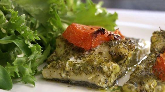 Μπακαλιάρος στο φούρνο με πέστο και φέτες ντομάτας | olivemagazine.gr | Bloglovin':