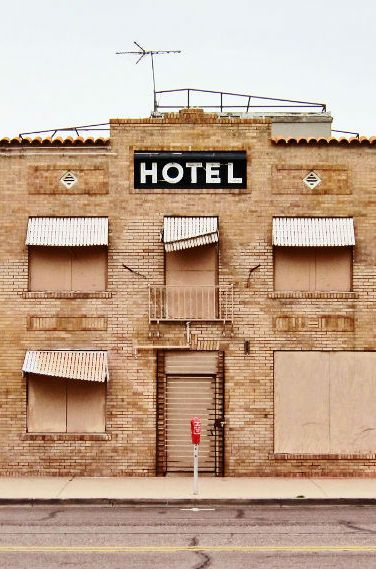 Here are some tips that will help you spot a crappy hotel when booking online!  How to Spot Cheesy Hotels When Booking Online