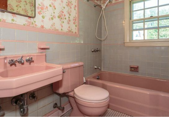 vintage pink bathroom fitting fitted in flat in milton keynes northamptonshire