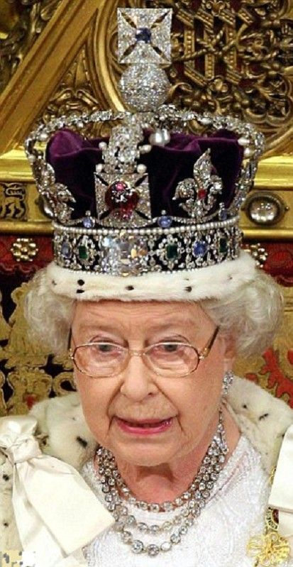 Two crowns, 3,000 gems, an 18ft robe and a recycled dress ... Queen Elizabeth 1 Crown